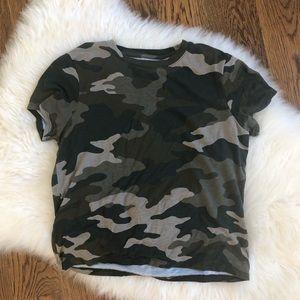 Camo T-shirt crop top